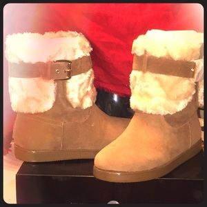GUESS Booties, NWOT, Size 10M, Amber. Color.❌❌$69
